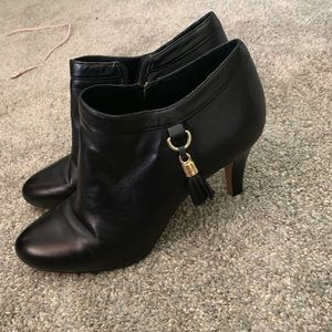 Vince Camuto blank ankle booties